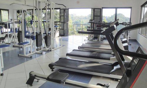 Academia de ginástica. Completa estrutura e profissionais para sua orientação.
